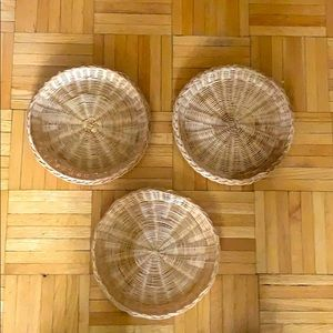 3 flat baskets to hang on wall